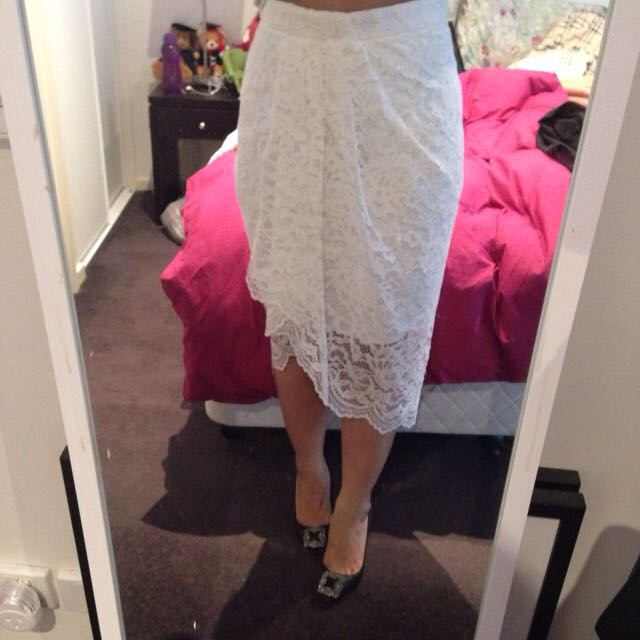 Lace Skirt Forever New