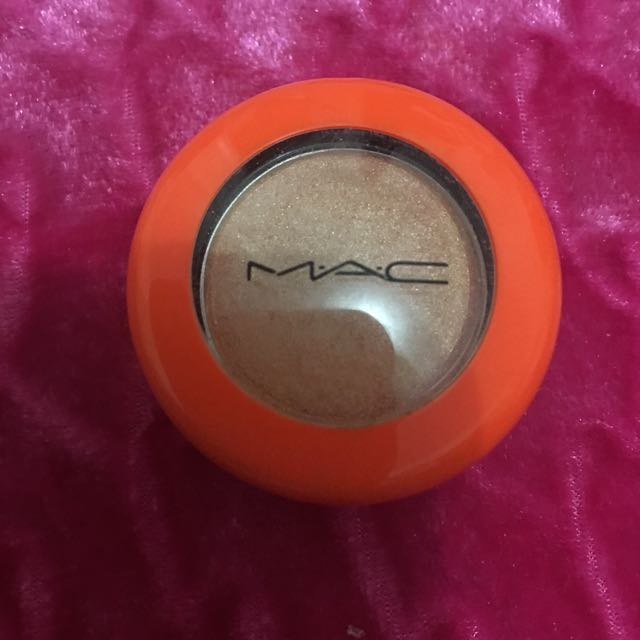LE Mac Sci Fi Single Shadow