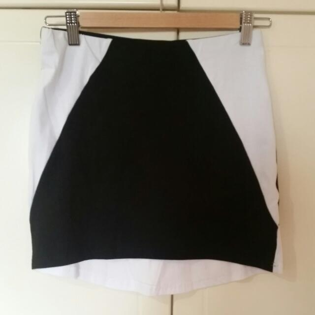 Muui Mini Skirt Size 10