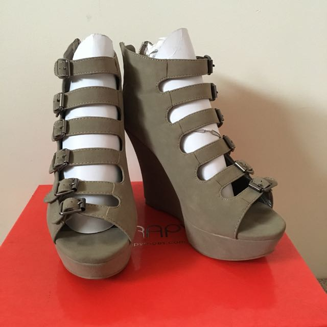 Taupe Wedge Size 6!