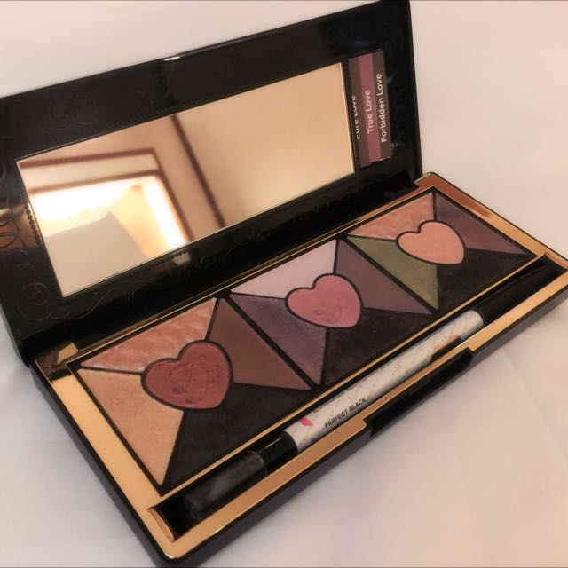Too Faced 'Love' Eye Shadow Palette