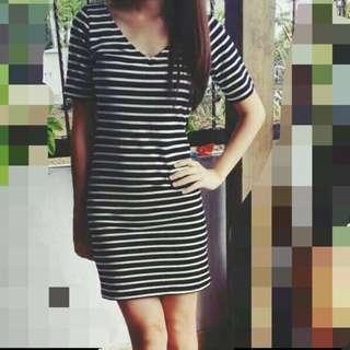 BN H&M V Cut Dress