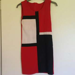 Red Fitted Dress W/patterns