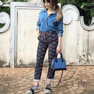 Looking For : PRINTED PANTS