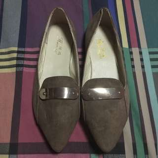 Brown Pointed Shoes