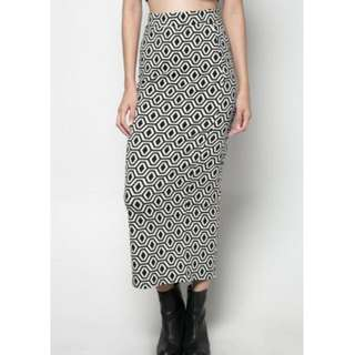 Black & White Maxi Skirt from Chictees