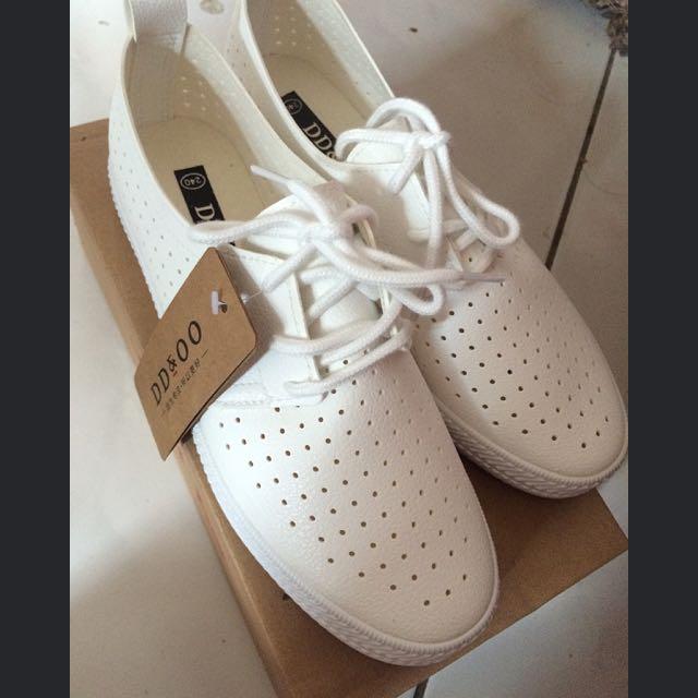 超好穿!會呼吸的小白鞋!不能只有我穿到~
