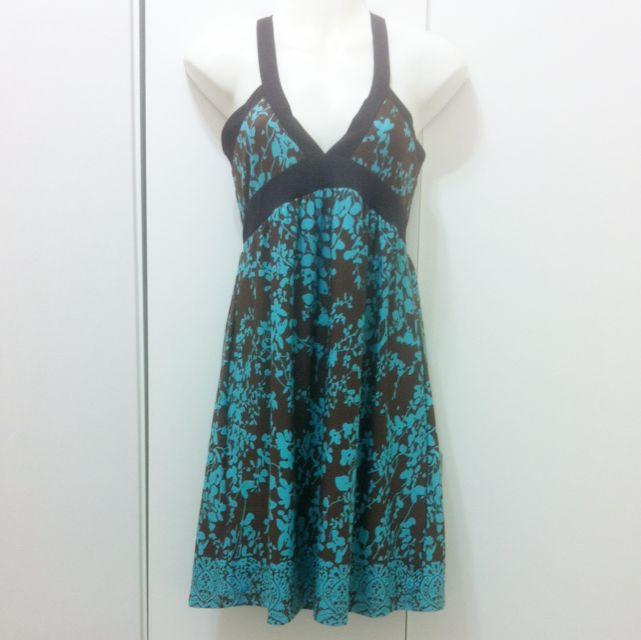 露背/綁帶式/小洋裝