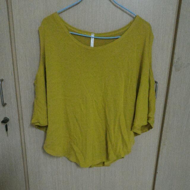 黃色露肩衣