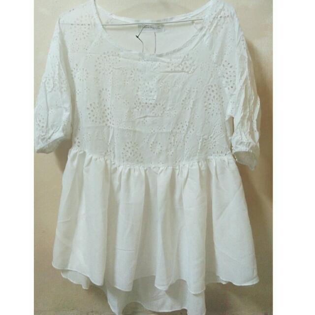 降🔹全新✨白色洞洞可愛小裙擺上衣