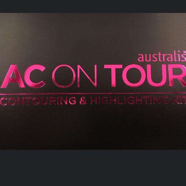 AC ON TOUR Contouring Kit