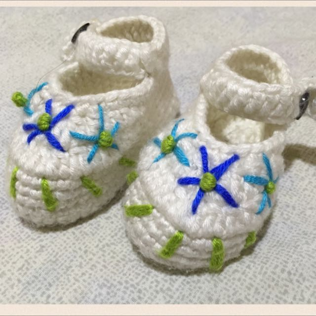Baby's Knitted Shoes