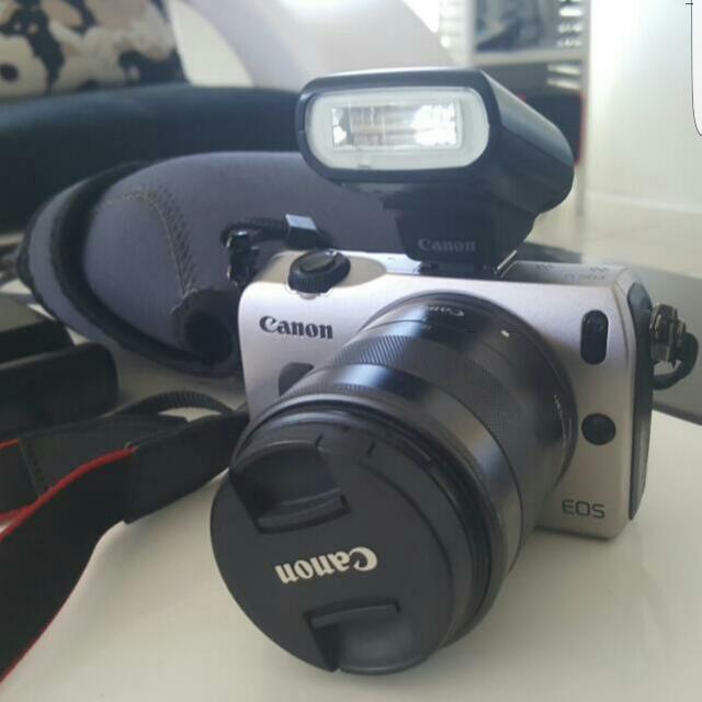 Canon EOSM