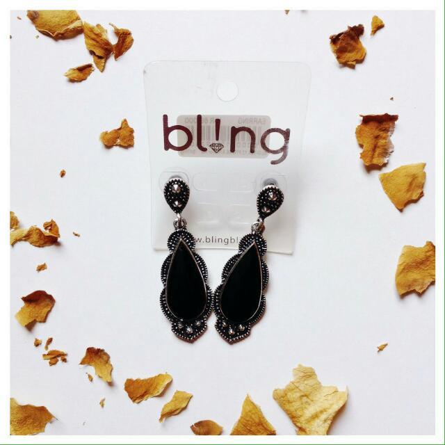 Classic Black Earring (Bling).
