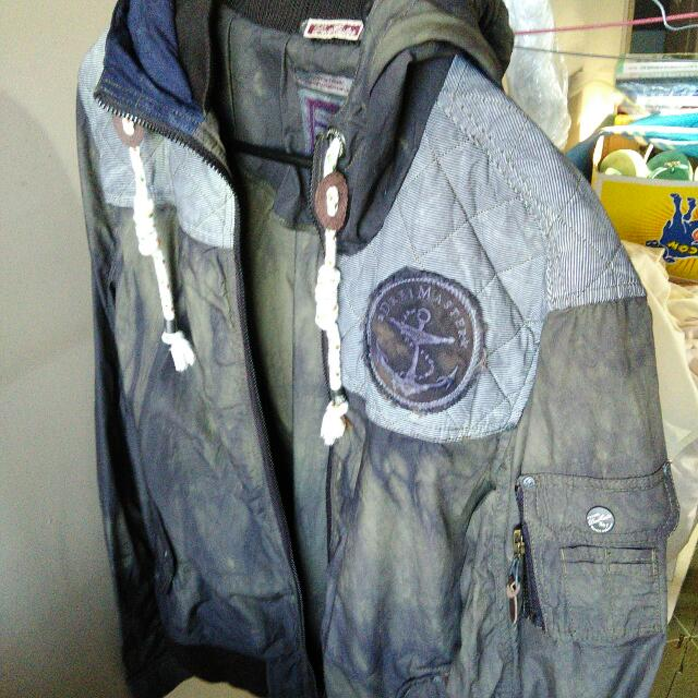 Drei Master Jacket Thin Material Perfect For Spring New Without Tags. Never Been Used. Large Size.