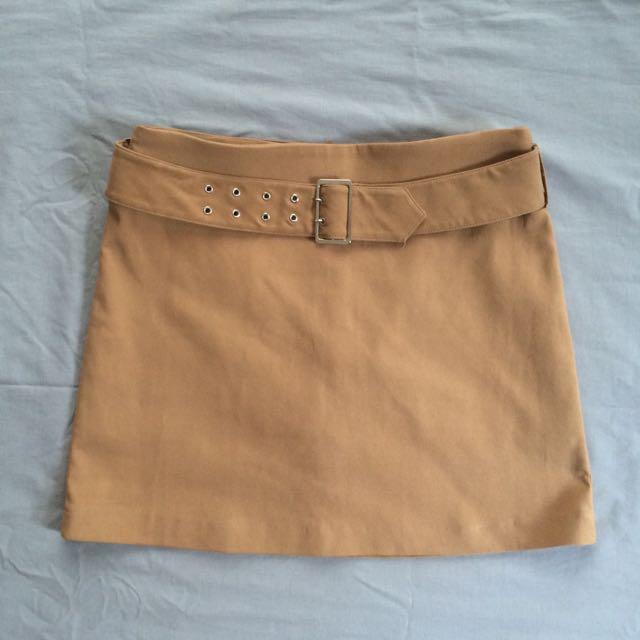 Limited Camel skirt with belt