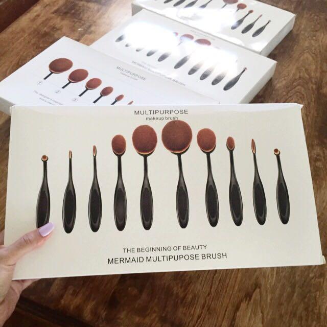 Oval Shaped Multi-purpose Make-up Brush Set