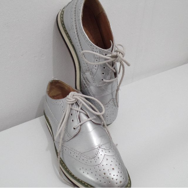 SILVER OXFORD -SOMETHING BORROWED