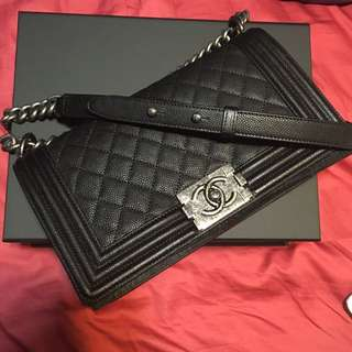 RARE - Chanel boy In Caviar Skin (Silver) Old Medium Size c3f71765b1c86