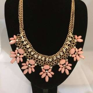 BN Glamorous pink Necklacd