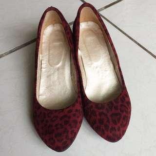 紅色豹紋低跟鞋