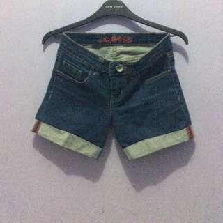 logo jeans preloved
