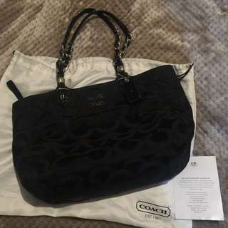 Pre-loved Authentic Coach Signature Shoulder Bag
