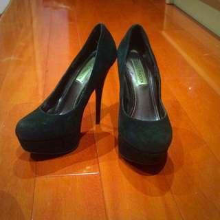 Steve Madden Stiletto Heels Size 6M