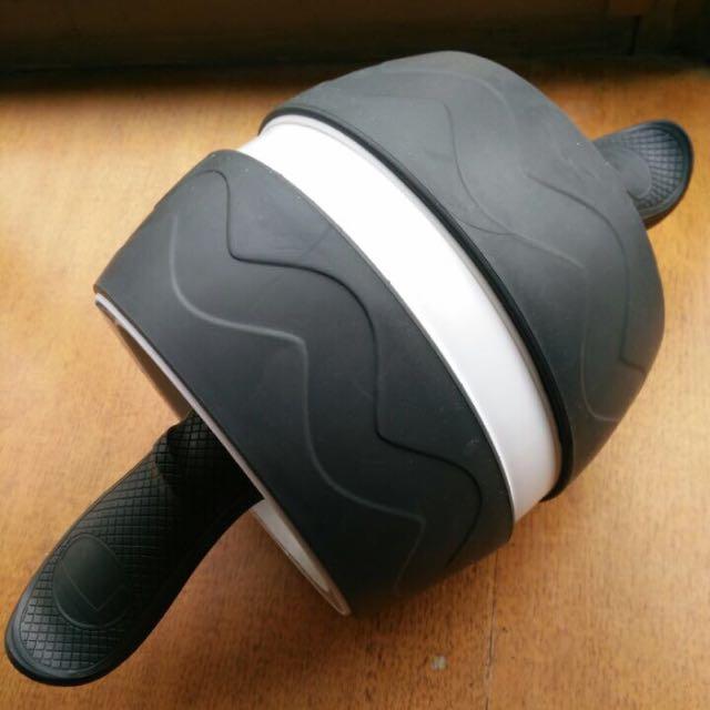 滾輪 健腹器 社團團購回來 有多幾個便宜賣給需要的人 人魚線 健身 送瑜珈墊 馬甲線 回彈 Nike Adidas