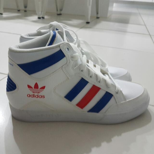 Adidas Hard courts Size 7 Kids