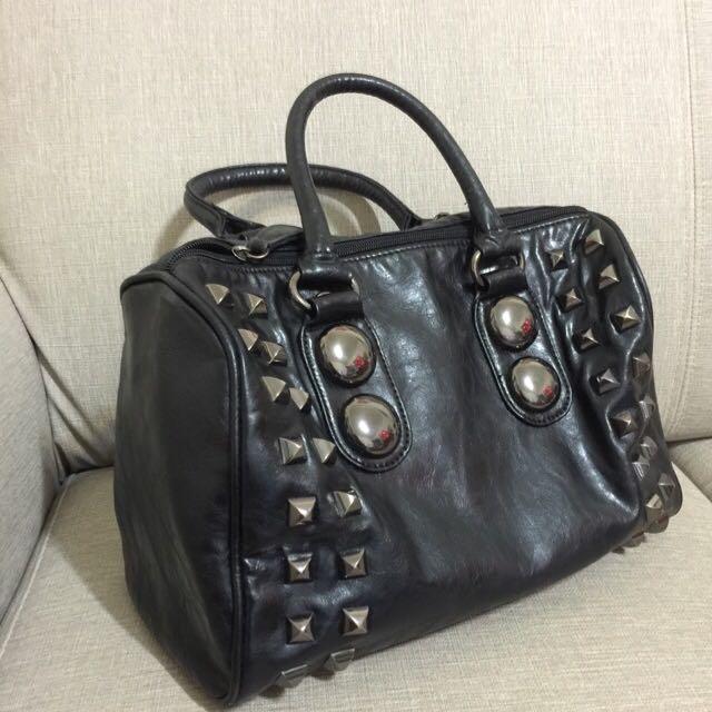 保留_ALDO黑色時尚卯釘手提包/波斯頓包