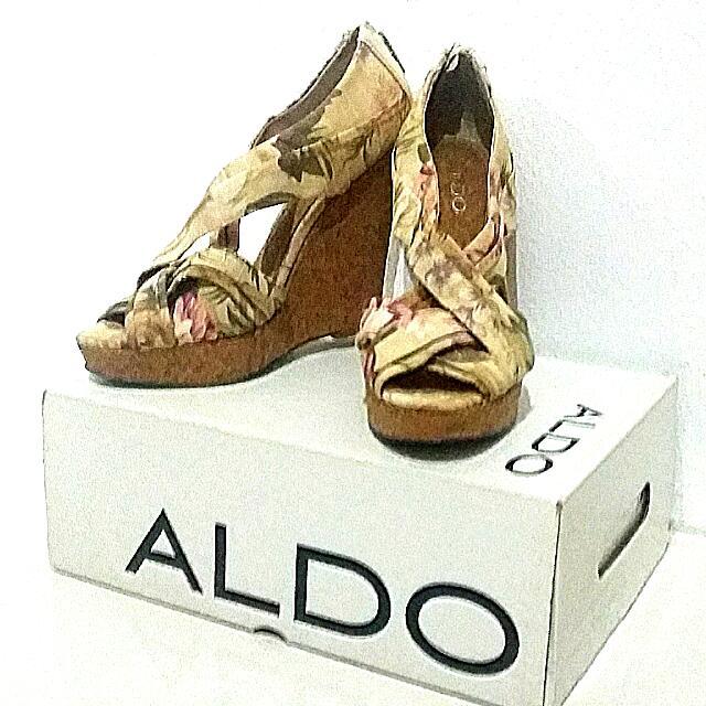 7ff19f75e91f ALDO  Floral Wedge Sandals