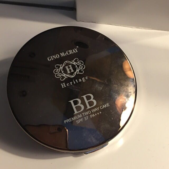beauty buffet Heritage Compact Powder (preloved) Gino McCray