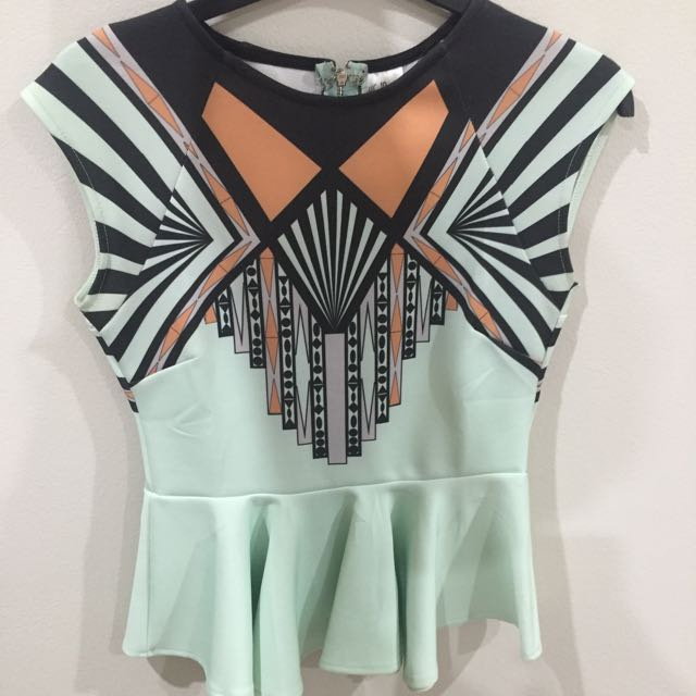 Cute mint patterned top
