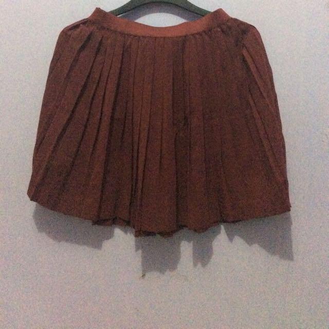 hnm pleated skirt