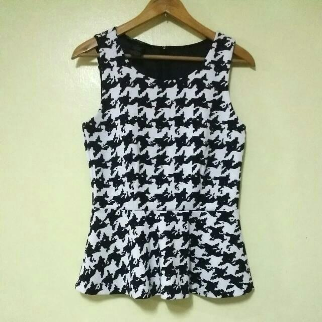 Printed B&W Peplum Top