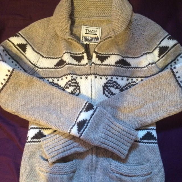 Selling TNA Aritzia Sweater $60!!!