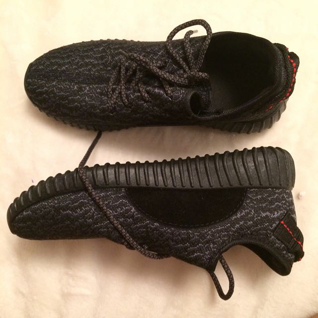 Yeezy Shoes - Size 6