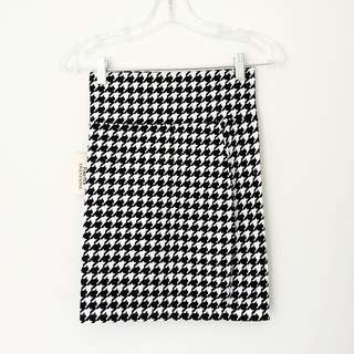 Forever 21 Houndstooth Pencil Skirt New with tags