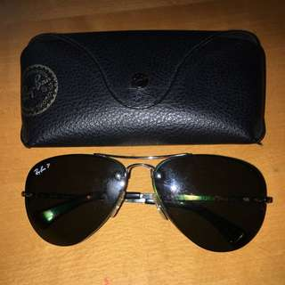 Authentic Ray Ban aviators. 8/10 Condition. W/ Case And Cloth.