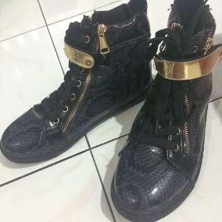 Sneaker Size 37-38