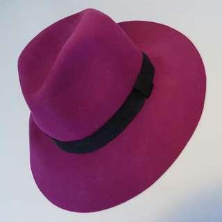 Rubi purple felt hat