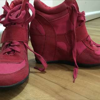 Novo Red High-Top Wedge Sneakers
