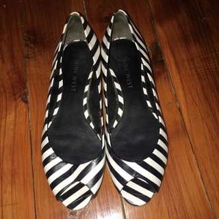 Nine West Open Toe Flats Zebra Print Size 5.5