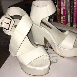 Pied A Terre Chunky Heels