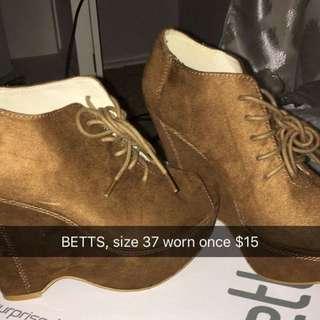 Betts Wedges