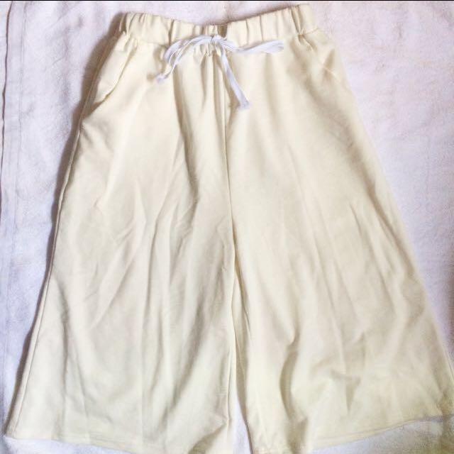 ▫️白色棉質寬褲