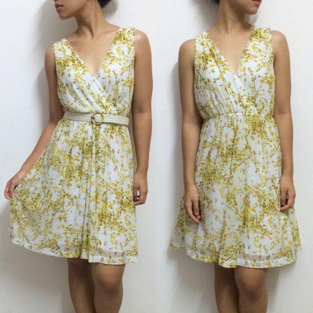 🆕 H&M Yellow Floral Dress