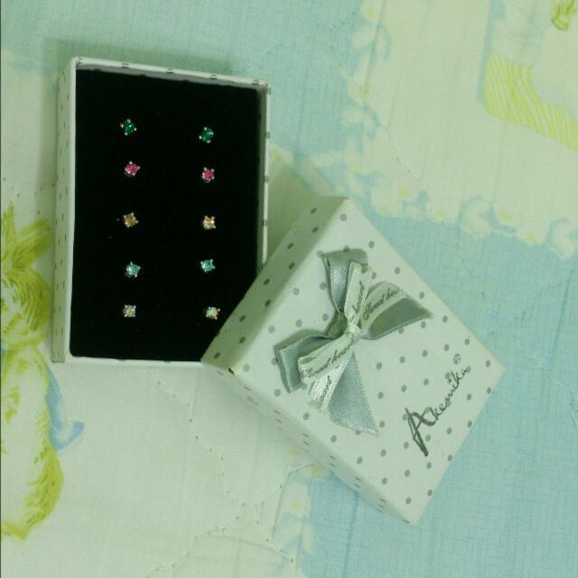 Akemika 五色鋼針耳針 施華洛世奇水鑽