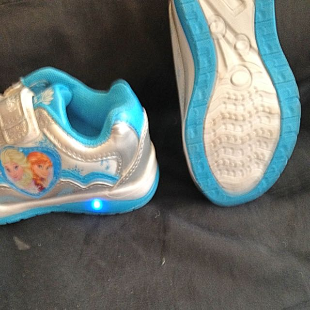 Girls Size Nine Frozen Shoes
